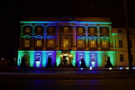 Das Naturkundemuseum erstrahlte in grün und blau. Foto: A. Eger