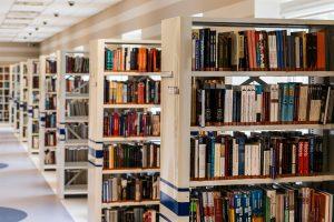 Wann wir wieder in Bibliotheken arbeiten können ist ungewiss. (Grafik: pixabay)